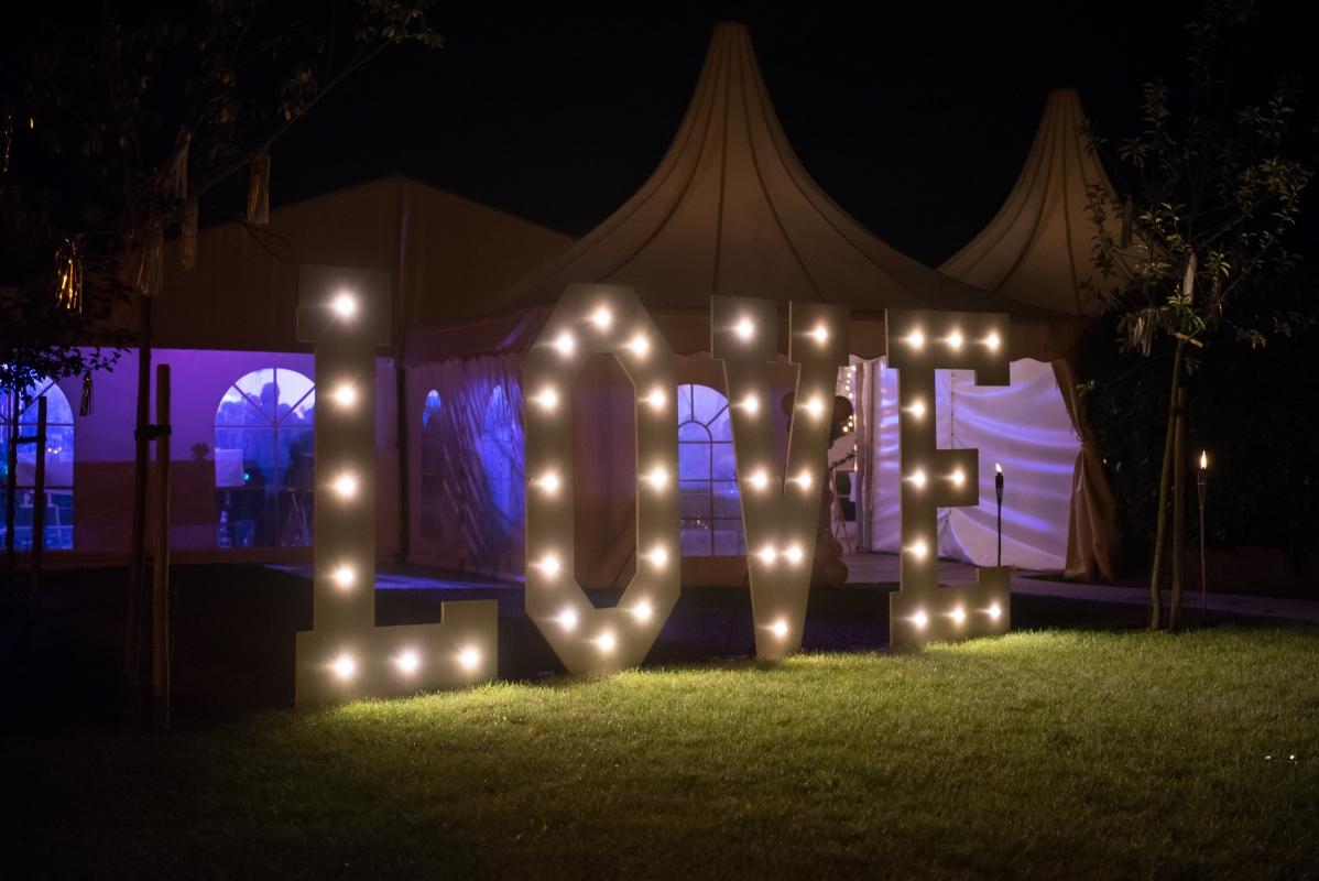 Love letters verlichting LED bruiloft verhuur
